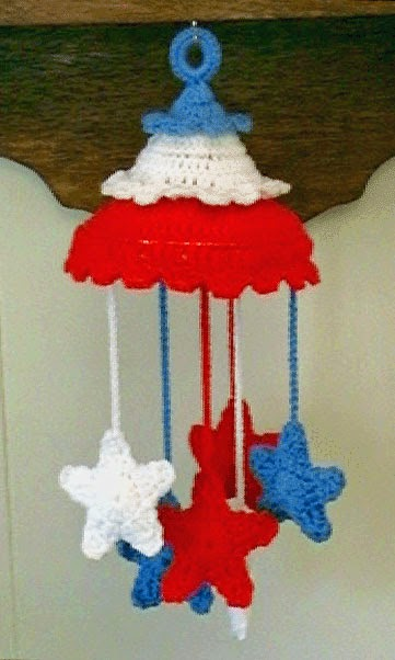 http://www.crochetmemories.com/patterns/patriotic-mobile.php