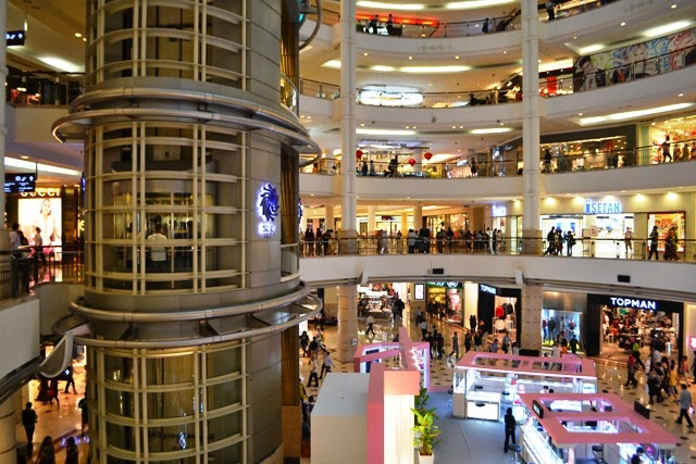 Travel Tropa Petronas Towers The Crown Jewel Of Kuala Lumpur