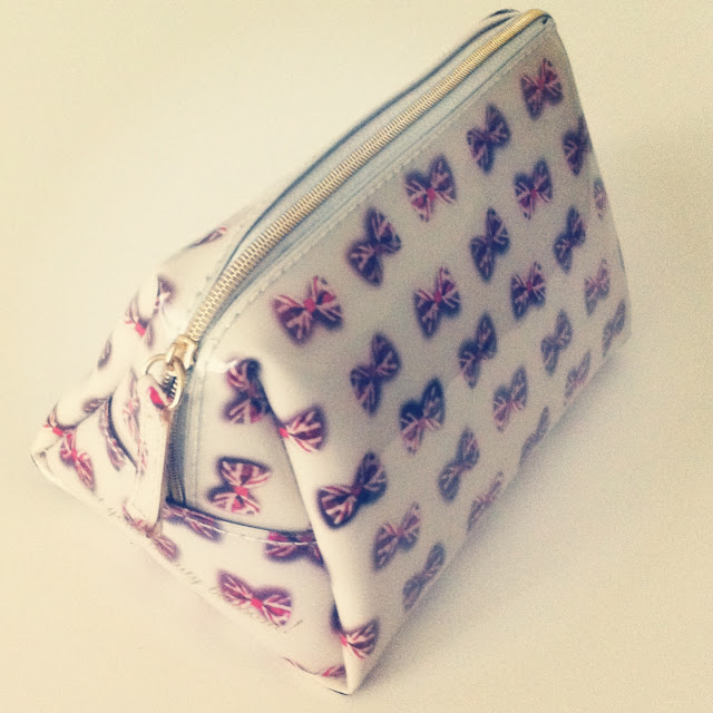 british, bows, makeup bag, ted baker, wash bag, ted baker wash bag, ted baker makeup bag