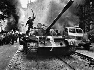 carri armati a Praga