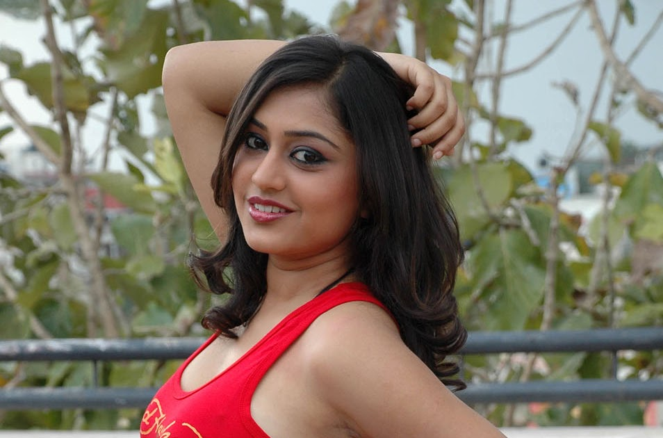 Sexy Actress Ramya Barna Latest Stills
