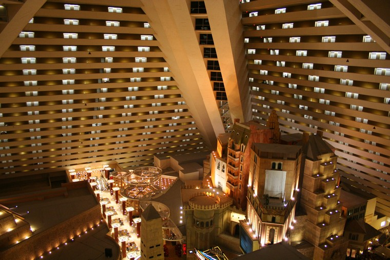 luxor hotel and casino vegas
