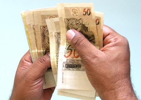 MEC divulga piso de R$ 1.451 para professores de ensino básico