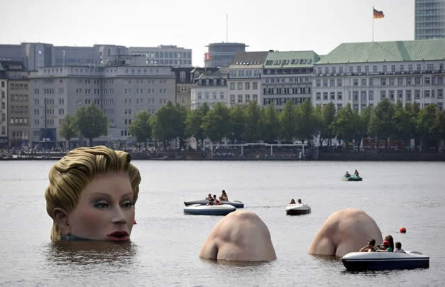 The Bather - Lago Alster, Hamburgo - Alemanha