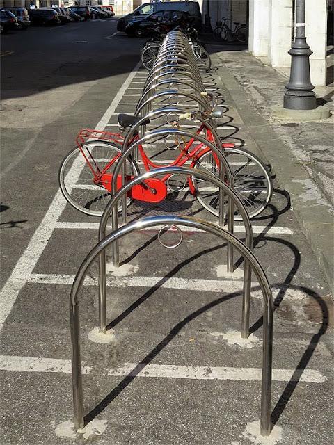 New bicycle racks, via Pieroni, Livorno