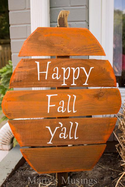 http://martysmusings.net/2013/09/fence-board-pumpkins.html