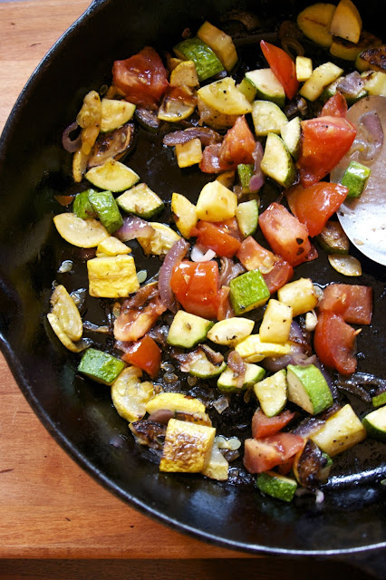 Summer Vegetable Saute- Zucchini, Tomato & Red Onion- simplelivingeating.com