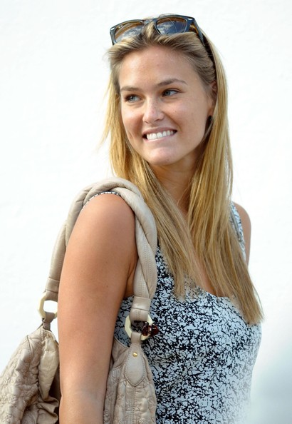 Bar Refaeli Without make up