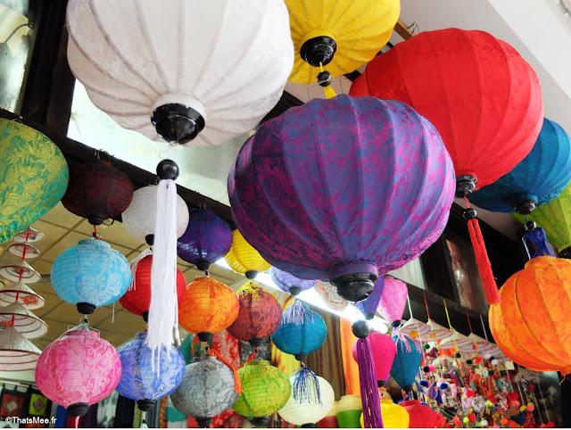 lampions suspendus couleur boutique Hanoi 36 streets confédérations Vietnam