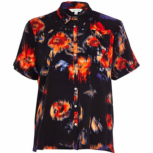 blurred print shirt