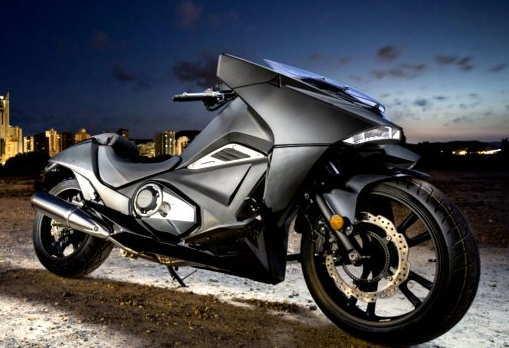 Honda NM4 Vultus-warna hitam