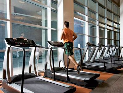 Cara untuk mengecilkan perut dengan berlatih 5 pilihan olahraga