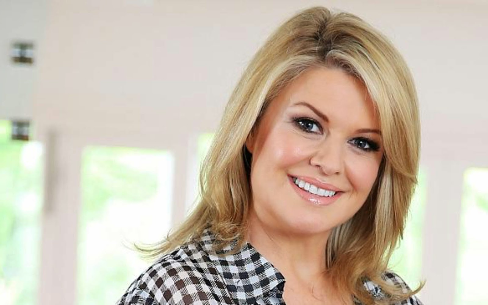Emily symons wallpapers o wallpaper picture photo for Wallpaper home and away