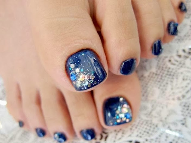 Blue Base Nail Art Design