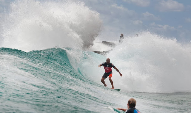 kelly slater ronda 5 quiksilver pro gold coast cut back