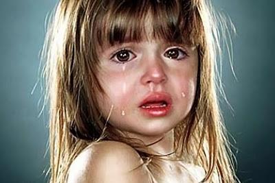 lebih mudah menangis, mungkin saja benar. Rata-rata, wanita menangis