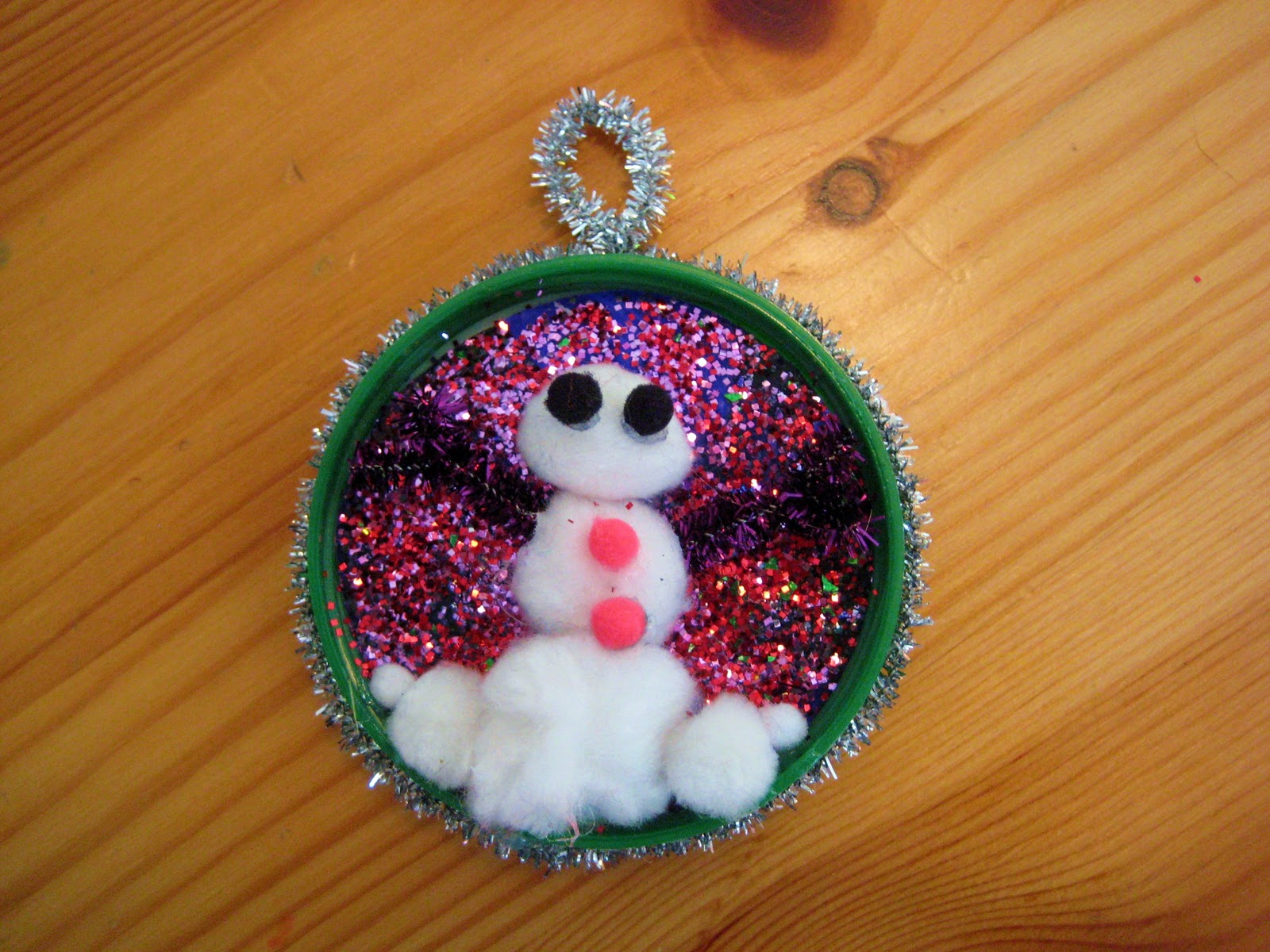Crazy kings recycled holiday ornament craft for kids