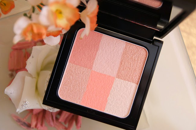 Bobbi-Brown-Brightening-Brick-Pastell-Peach-swatch