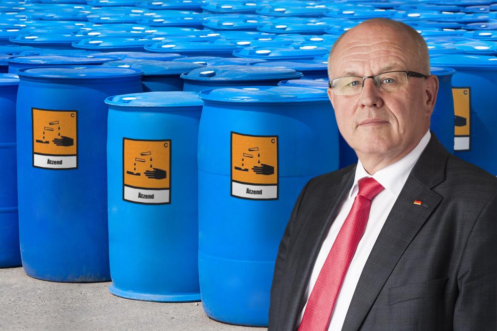 Volker Kauder ordered 63 large barrels acid