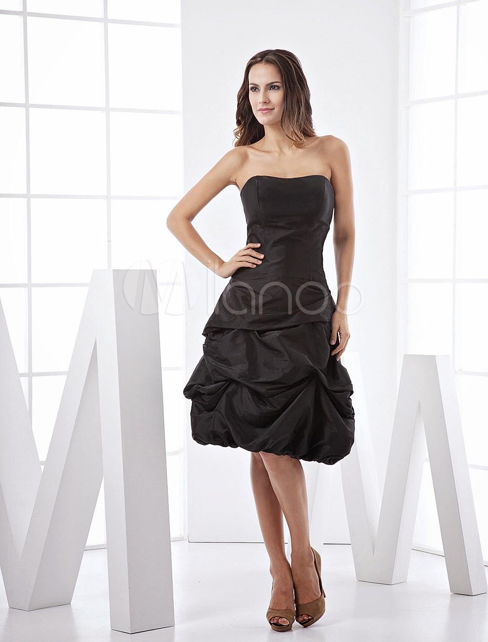 Robe de bal formelle et noire en taffetas avec bouton plié