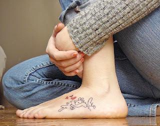 Tatuagens femininas delicadas 9