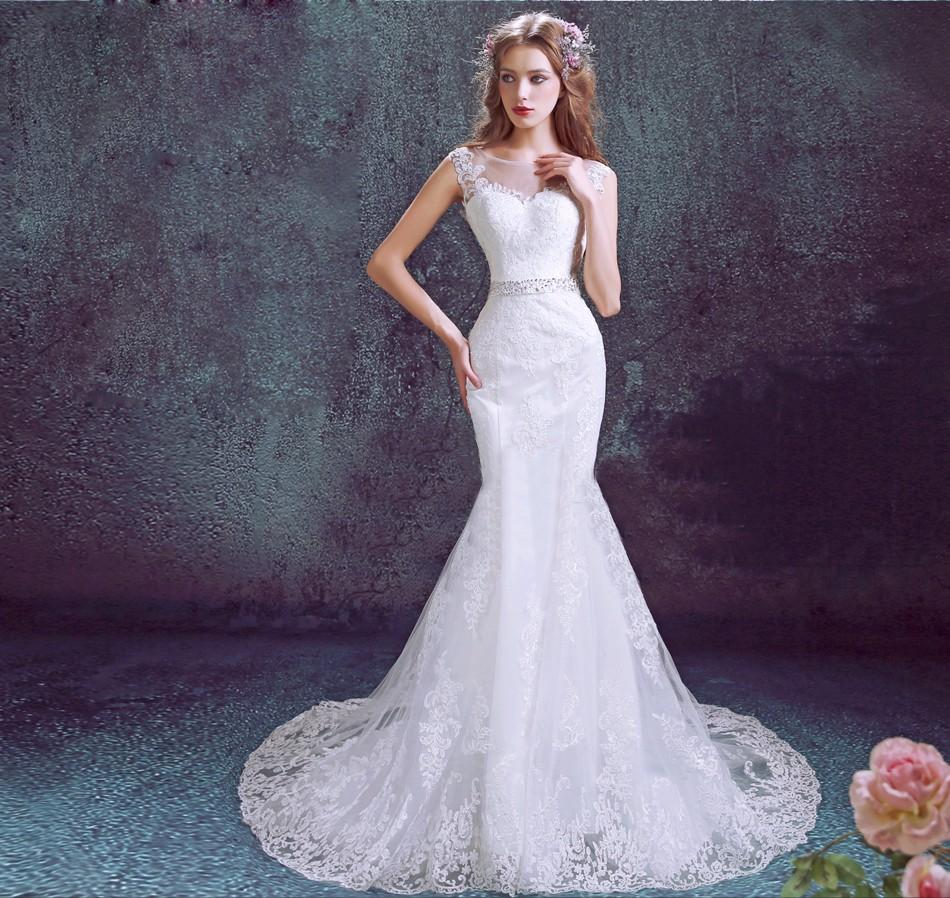 Hermosa Trompeta Modelo De Vestido De Costura Motivo - Manta de ...