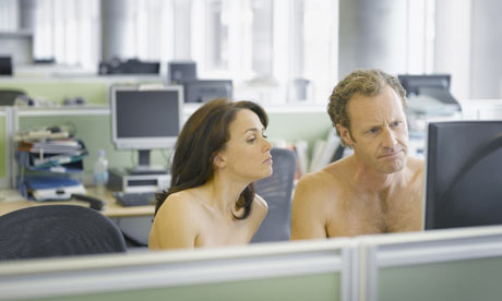 Air Conditioner (AC) Dapat Meningkatkan Produktivitas di Tempat Kerja
