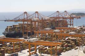 Piraeus, Cosco ink multimillion investment deal