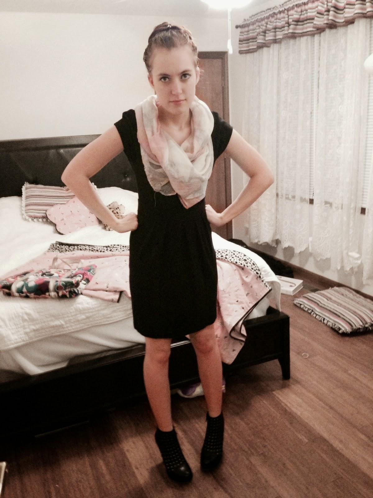 knit-dress-black-scarf-pink
