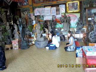 See Monk and do some merit.also local people came and join with guest