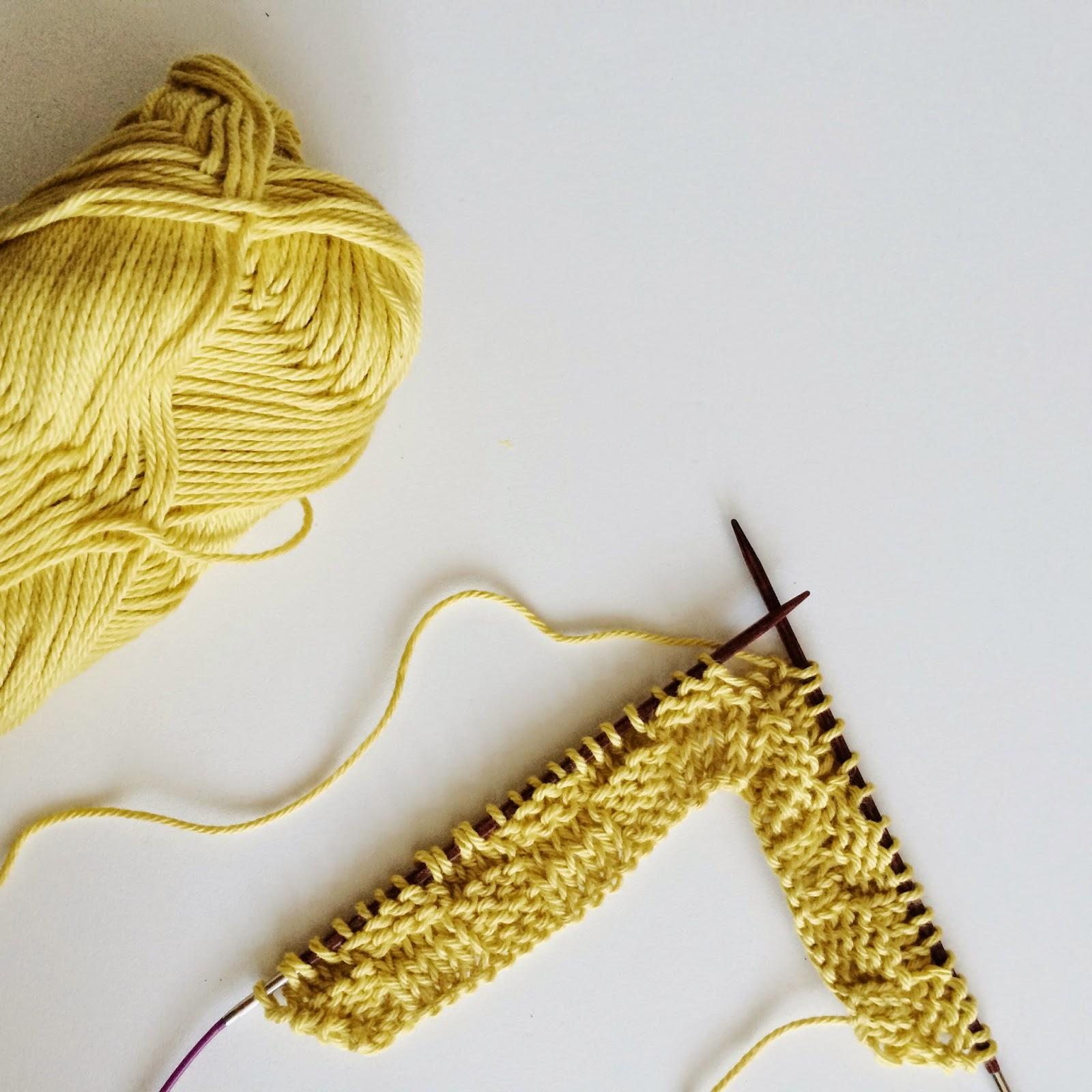 Meraki; knitting with square knitting needles