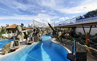 Holiday Fans travel the World RTW -family activities Budget Travel Adventure cove Singapore