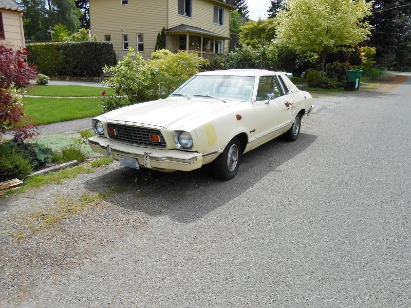 seattle 39 s parked cars 1976 ford mustang ii ghia. Black Bedroom Furniture Sets. Home Design Ideas