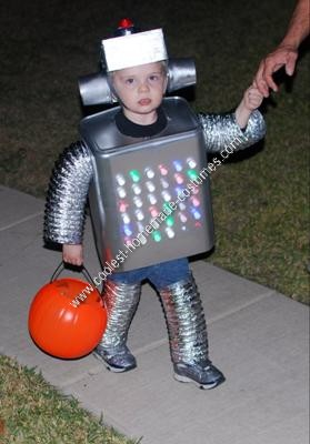 Amy 39 s daily dose voted most popular kids halloween for Robotic halloween decorations