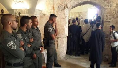 Polícia desaloja extremistas judeus