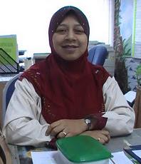 Puan Muhazian Binti Md Nor
