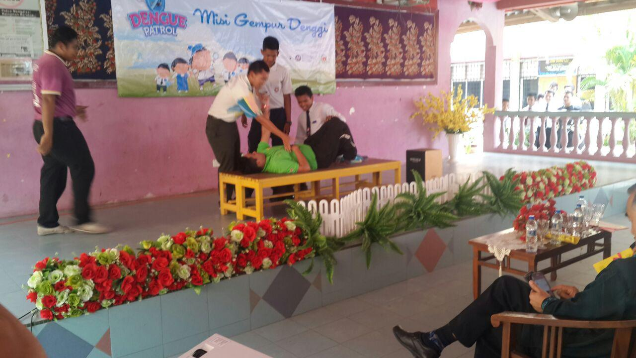 smk jerantut dengue buster dengue buster alley opening ceremony perfomed by the form 5 and form 6 students and 12 dengue buster team they succeded in conveying the important message of the dangerous of aedes
