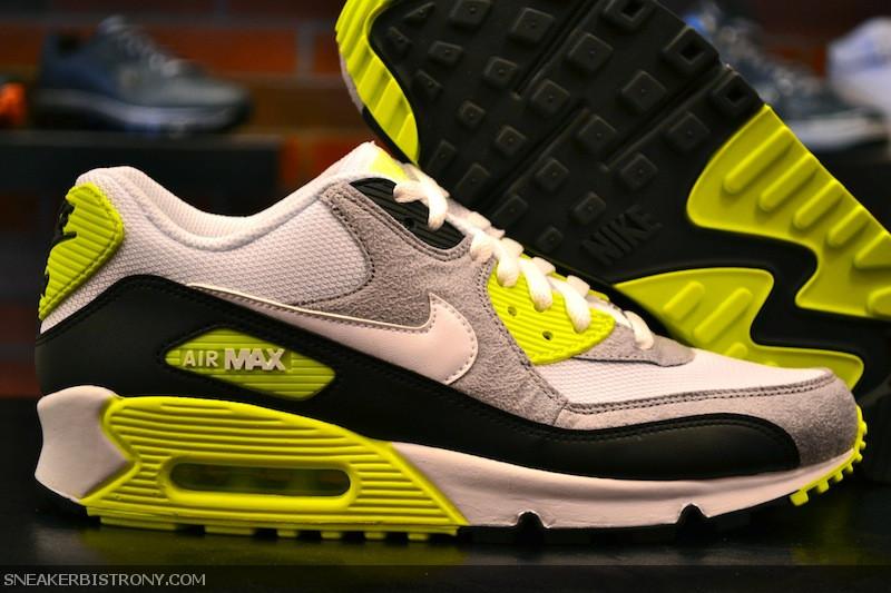 SNEAKER BISTRO - Streetwear Served w| Class: KICKS | Nike Air Max ...