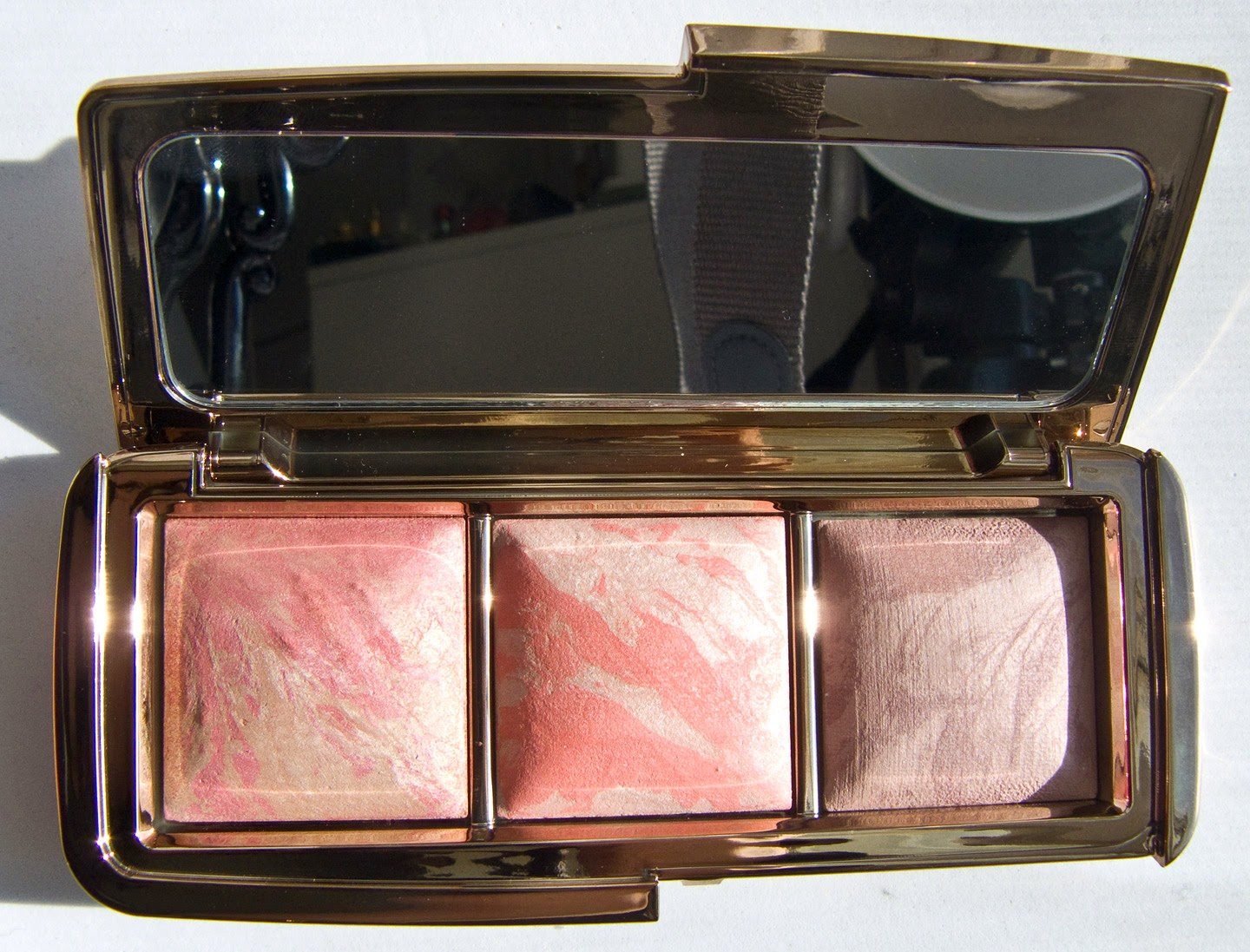 Hourglass Ambient Lighting Blush Palette In Luminous Flush, Incandescent  Electra, And Mood Exposure