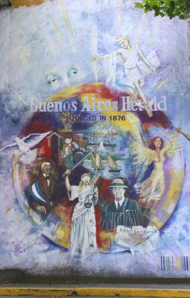 Gardel en sus monumentos en buenos aires herald buenos for Definicion de pintura mural