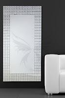 moderny dizajn zrkadiel na stenu alebo stojanove vysoke zrkadla