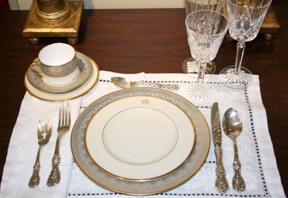 Navyblueshoe Wednesday Decor Guest Post Setting Your Table For