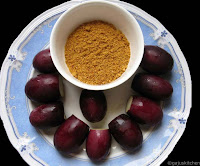 Brinjals and spice powder for stuffing