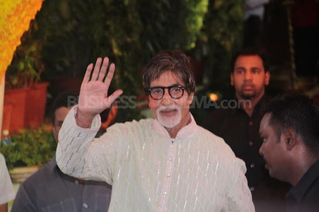 Amitabh Bachchan at Esha Deol wedding - (8) - Esha Deol Marriage Pics