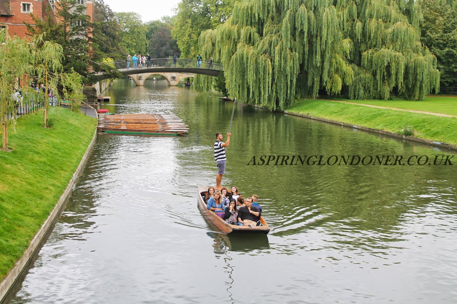 Punting on River Cam, Cambridge, UK - Aspiring Londoner