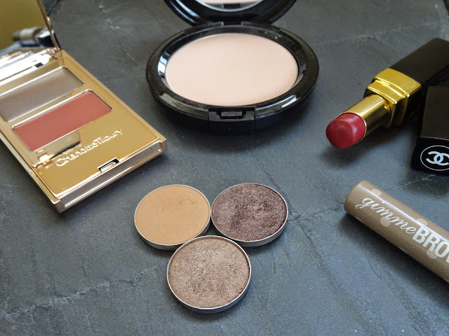 Chanel Rouge Coco lipstick Antigone, Charlotte Tilbury Filmstar On The Go All About Eve, Mac Beauty Powder in Natural, Benefit Gimmie Brow in Light/Medium, Makeup Geek eyeshadows Creme Brulee, Homecoming and Mesmerized