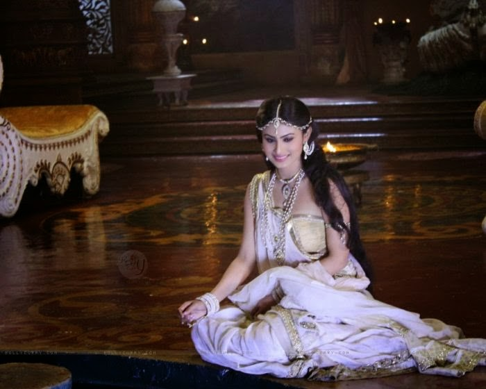HD WALLPAPERS FREE DOWNLOAD: Mouni Roy Hd Wallpapers Free Download
