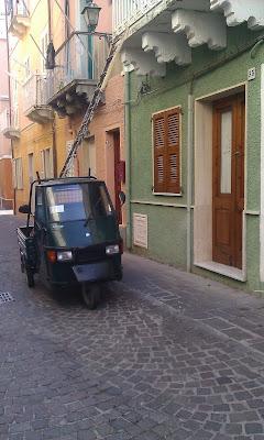 Carloforte Ape Piaggio equilibrio Foto Andrea Mameli