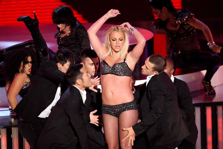 http://3.bp.blogspot.com/-RaFrCwxr0qk/TfjvPoMs6XI/AAAAAAAAAHs/bGyMa023hNQ/s1600/Britney-disastrous-2007-VMA_1500a_aol-musicuk_090910.jpg