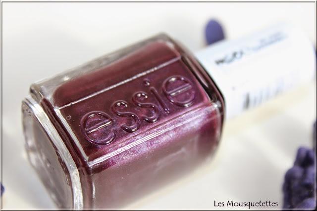 Vernis nº46 Damsel in a Dresse ESSIE - Les Mousquetettes©